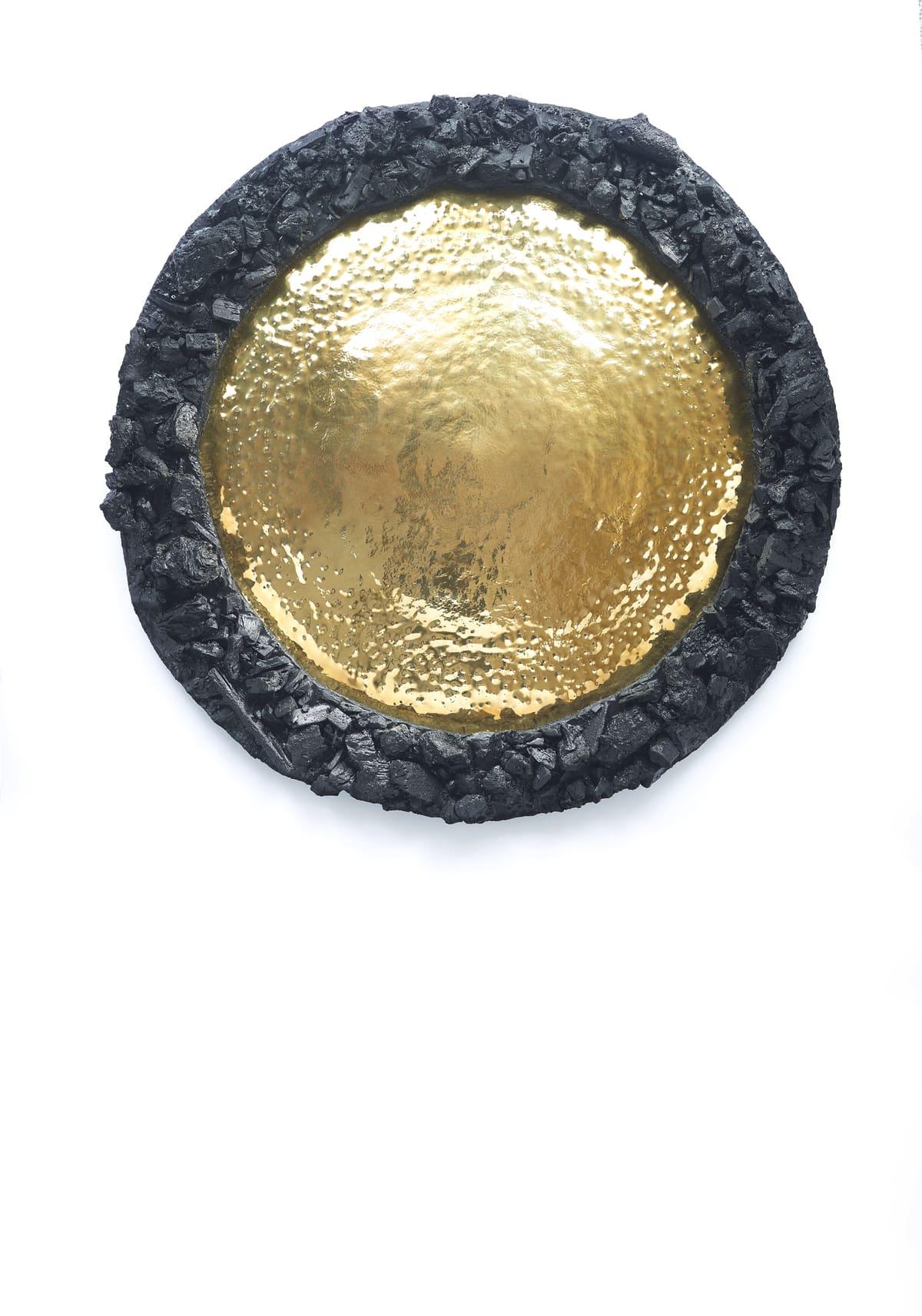 Présentation de l'oeuvre murale Carbon Rock Gold Sun, de l'artiste contemporain Frédéric Naud