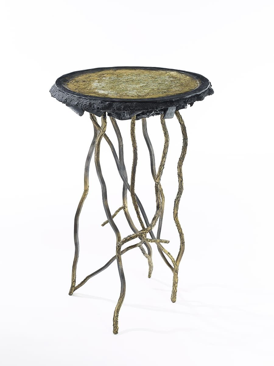 Présentation de l'oeuvre fonctionnelle Carbon Rock Side Table, réalisée par l'artiste Frédéric Naud